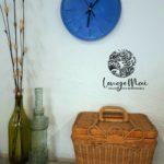 Horloge murale bleu roi