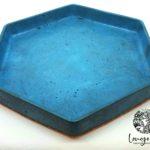 Grand plat hexagonal bleu azur
